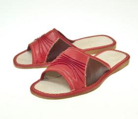 Pantofle skórkowe – damskie w odcieniach czerwieni