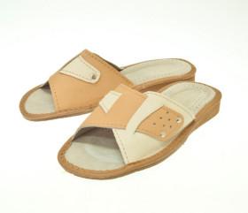 Pantofle skórkowe – damskie – jasne