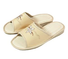 Pantofle skórkowe – damskie – kremowe