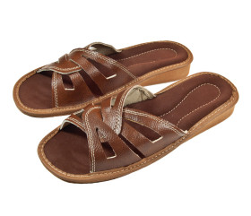Pantofle skórkowe – damskie – brązowe – przeplatane