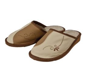 Pantofle skórkowe – brąz z bielą – haft
