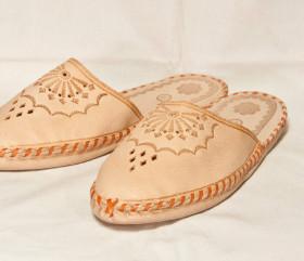 Pantofle skórkowe – damskie